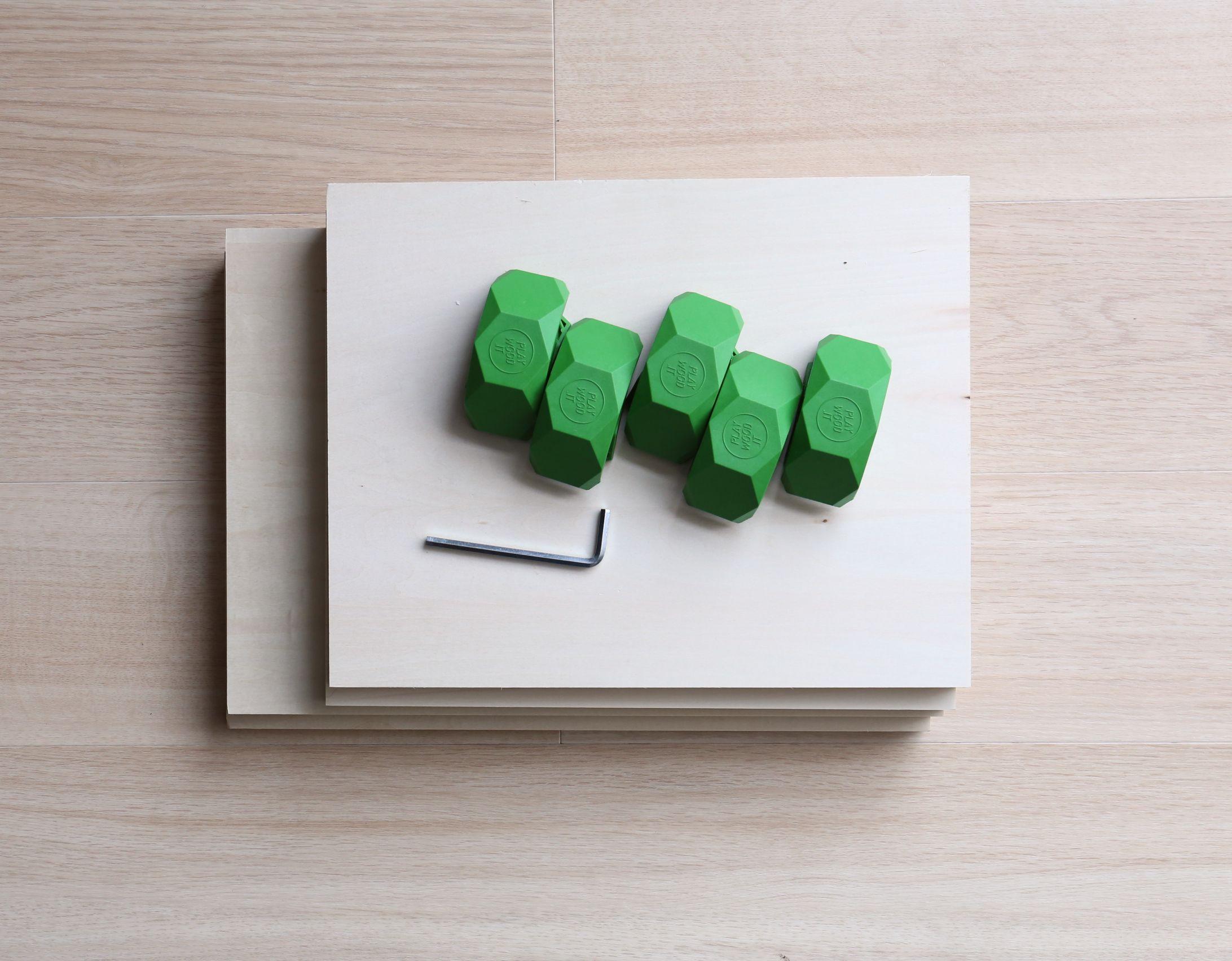 六角レンチと木材だけで自由に家具を組み立てることが可能です。
